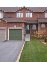 BRIGHT SPACIOUS & SUPER CLEAN 3 BDRM + FINISHED BSMT SE BARRIE