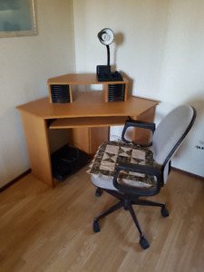 Corner Computer Table and Chair