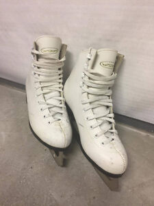VIC White Women's/Children's Figure Skates