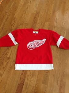 SELLING | Official Detroit Red Wings Jersey
