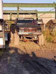 1991 Lifted 4x4 Chevy Truck