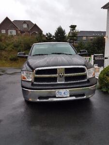 $$$$$ 2011 Dodge Ram 1500 SLT$$$$$