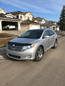 2009 Toyota Venza Top Trim Level V6 SUV in spectacular condition