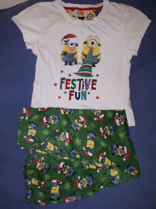 Despicible Me Minions Girls Christmas PJ's Size L,Like New