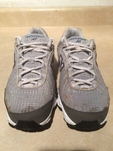 Women's New Balance AT Abzorb608 Running Shoes Size 7 London Ontario image 4