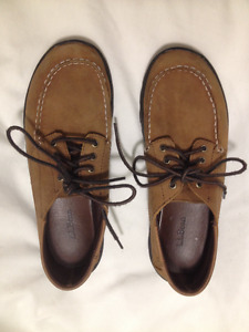 LL Bean Tan Leather Walking Shoe size 7