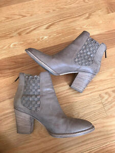 Authentic Leather Aquatalia Booties - Made in Italy