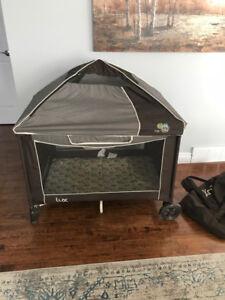 Lux Canopy Play Pen