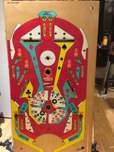 Pinball machine High Hand playfield