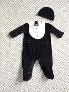 Cute velour suit with hat - size 0 to 3 months