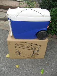 2 in 1 Portable Large Wheeled Cooler and Table