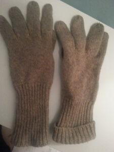 Gloves Oakville / Halton Region Toronto (GTA) image 1
