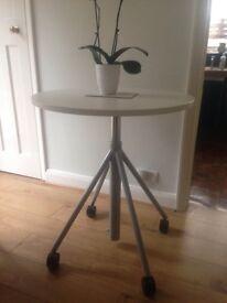 Circular adjustable white table 80cms diameter