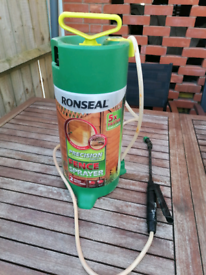 Fence sprayer