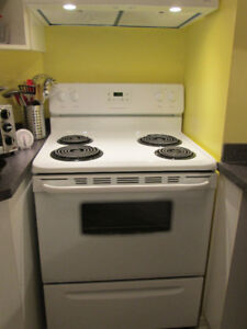 Frigidaire stove in A-1 condition