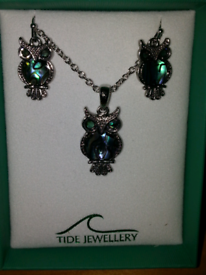 Tide jewellery Paua shell owl earrings and necklace set