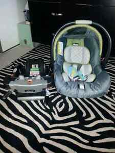 Chicco  Infant Car Seat & Base