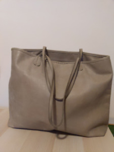 40136d6222 Roots Large Tote Bag - Discontinued Design