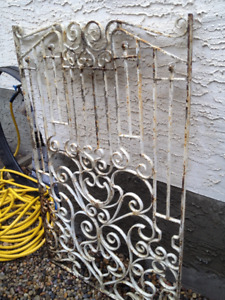 BEAUTIFULLY DETAILED GATE - Just needs some TLC