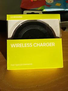 Samsung wireless charger BNIB