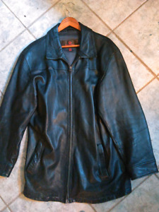 Danier AUTHENTIC Mens Dark Leather Jacket