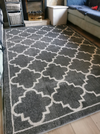 New grey 160x230cm trellis rug