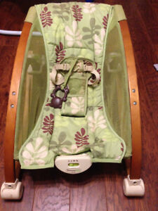 Brentwood Baby musical vibrating chair