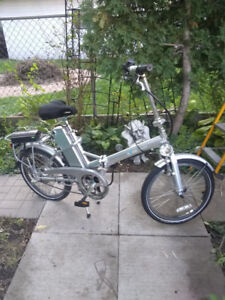 EZEE QUANDO 20'' ELECTRIC FOLDING BIKE WITH BATTERY RODE 2 TIMES