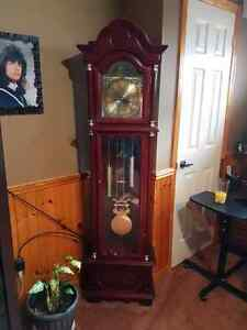 Battery Operated Grandfather Clock $100 OBO Cambridge Kitchener Area image 1