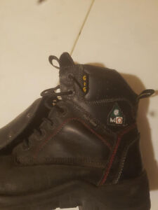 Met guard safety boots barely used