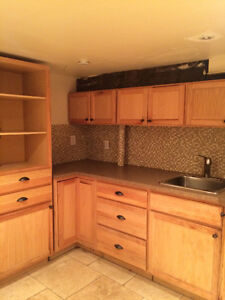 Students! All Inclusive Bachelor Apartment Close to Queen's!