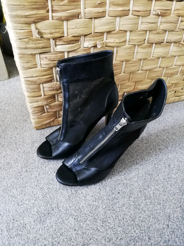 1d927caa1d9 Topshop Size 6 Black Zip Up Ankle Boots. Faux leather and mesh. | in  Godmanchester, Cambridgeshire | Gumtree