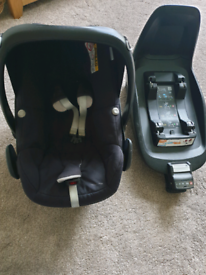 maxi cosi pebble plus and 2 way isofix base