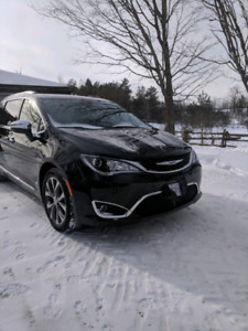 2017 Chrysler Pacifica Limited ( PRIVATE ) (extended warranty)