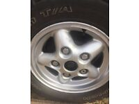 LANDROVER DEFENDER SET OF ALLOYS WITH MATCHING BF GOODRICH M/T TYRES 235/70/16
