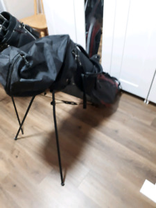 Mens golf clubs and bag