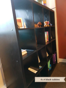 4x4 black cubbies