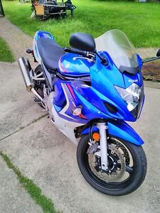 SUZUKI GSX650F 2008 GREAT BEGINER BIKE WITH ONLY 9360 KM ON IT Windsor Region Ontario image 1