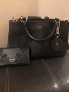 Guess Purse and Matching Wallet - new condition!