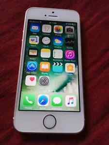 IPhone SE with Apple care 16 gb
