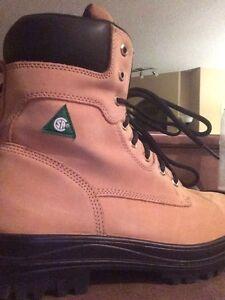 Steel toed boots-men's 10 Edmonton Edmonton Area image 2
