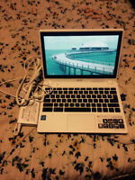 """Acer Google Chrome Book. With 11"""" Screen"""