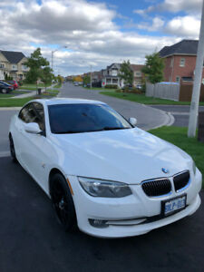 2011 BMW 328i Coupe Xdrive  Arctic White/ Red Leather Interior