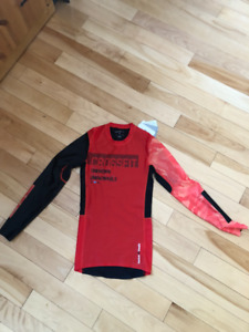 Reebok Men Small crossfit long sleeve compression top