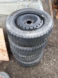 Snow tires 195/65r15