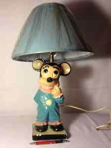 --- Vieille Lampe Mickey Mouse