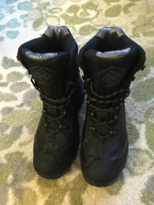 Men's Columbia Winter Boots — Size 11