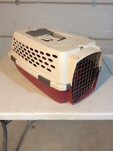 Pet kennel petmate kennel cab small