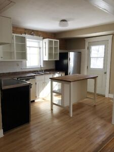 3BDRM House for Rent August 1 or September 1
