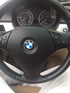 BMW 325i blanche  No Taxe